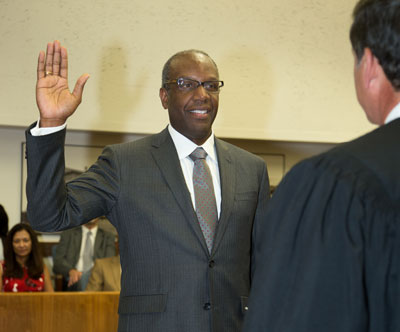 Hon. Michael Washington being sworn in as judge